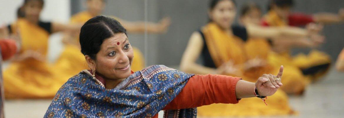 Natya Dance Theatre. Chicago Camp. Summer Intensive. Bharatanatyam. Indian Dance Camp. Krithika Rajagopalan. Hema teaching in Summer Camp. Online camp